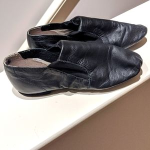 Guc: Girls leather Jazz split sole slip-on